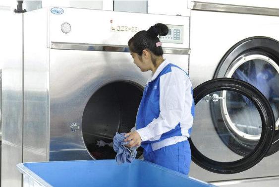 """开个小型的干洗店需要投资多少钱"""""""